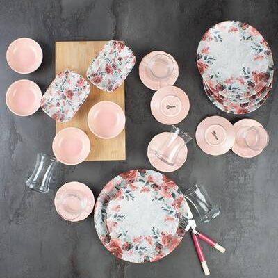Dinnerware/dishes